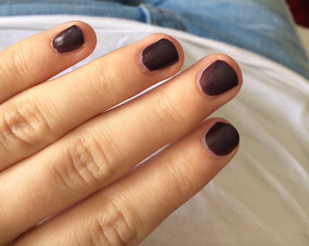 ein bisschen Chanel auf den Fingernägeln kann doch nicht schaden oder!?