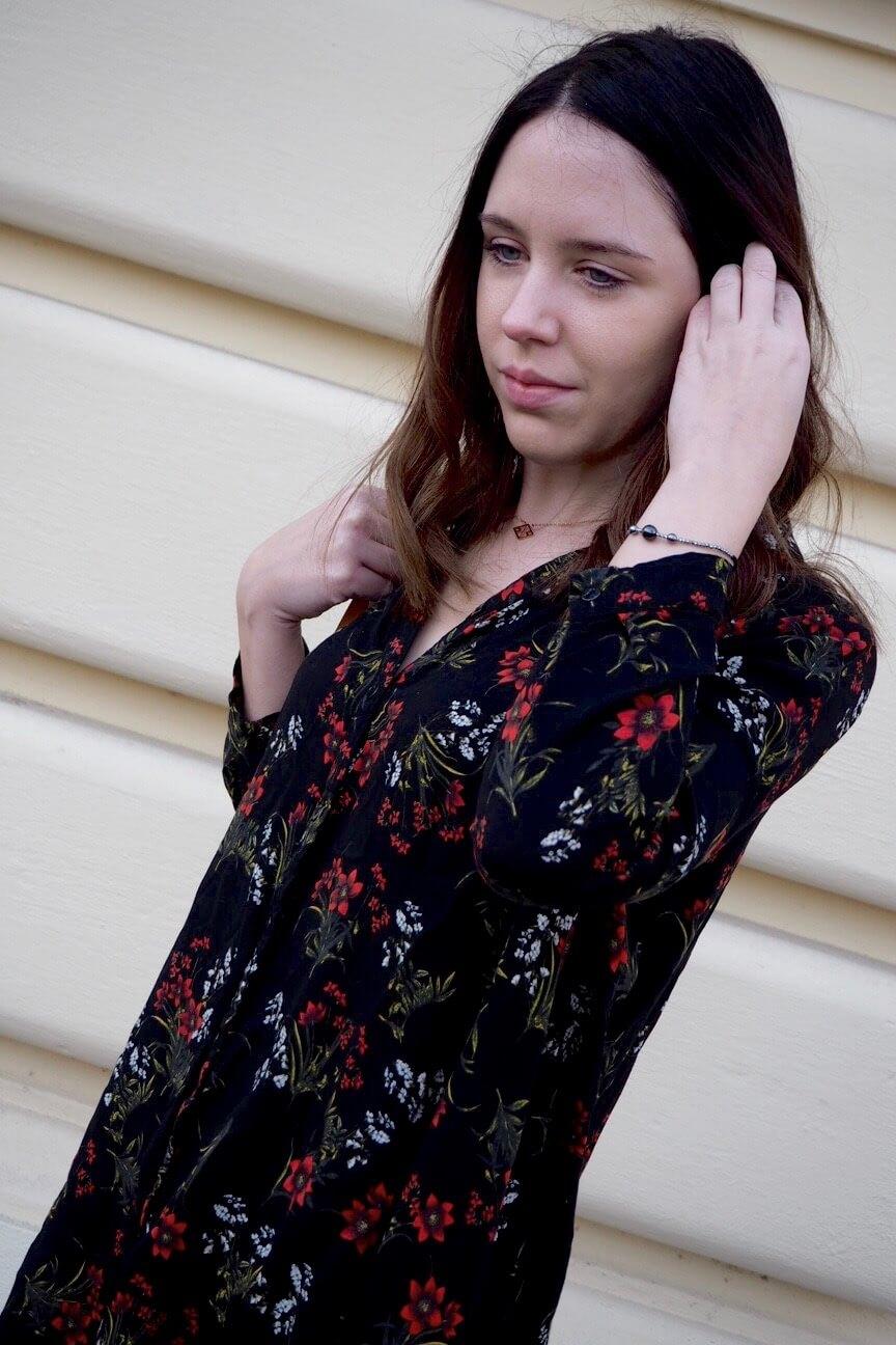 Outfit Dark floral dress Zara