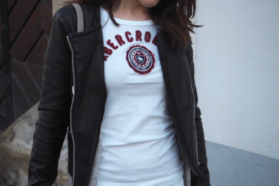 Logo Shirt A&F One Trend-Different Styles