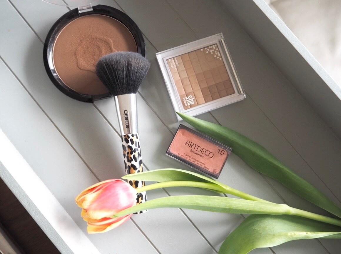 Make-up-Routine_Blush_Bronzer