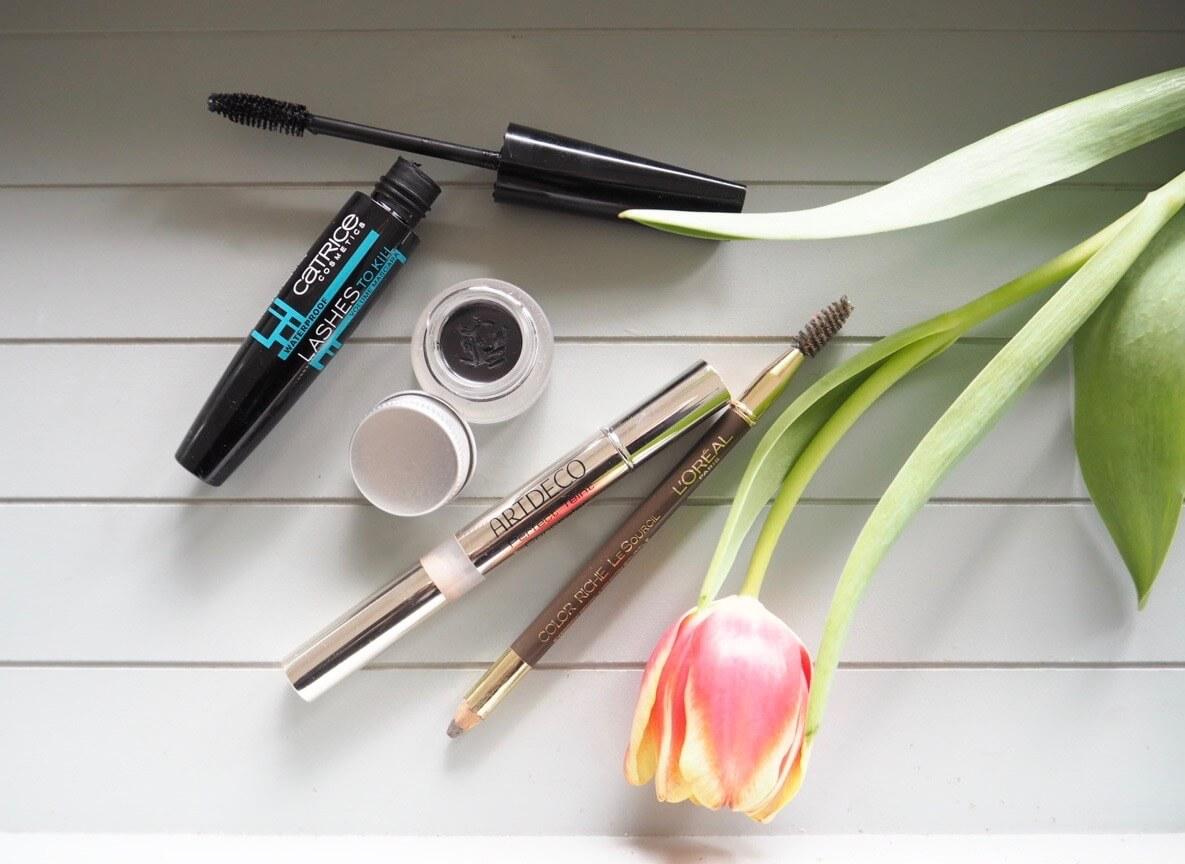 Make-up-Routine_Eyeliner_Mascara