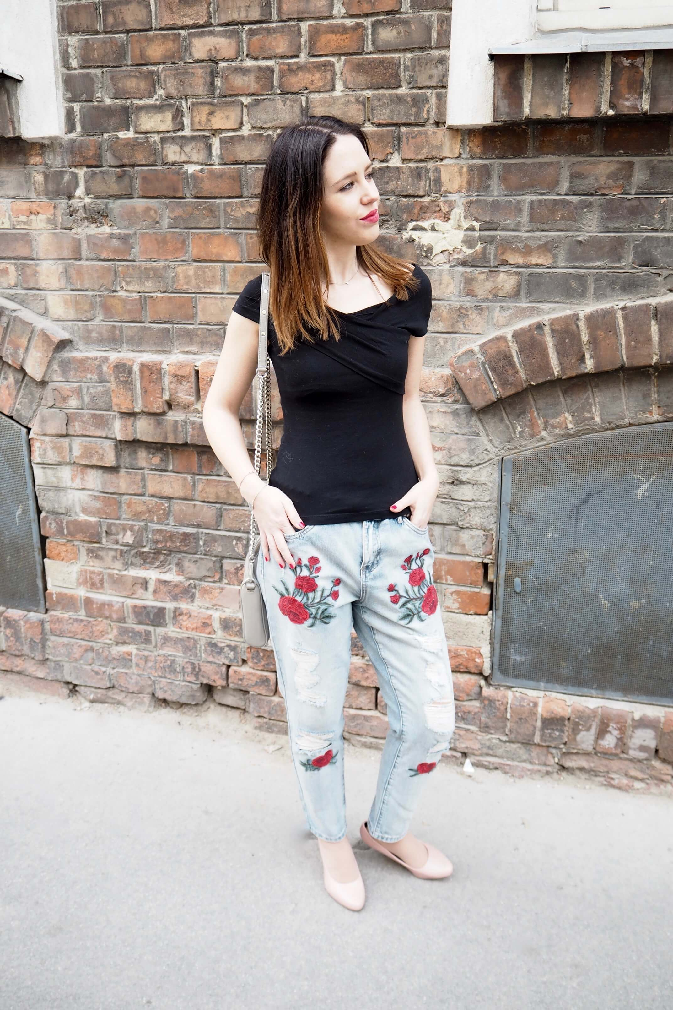 Outfitpost bestickte Jeans