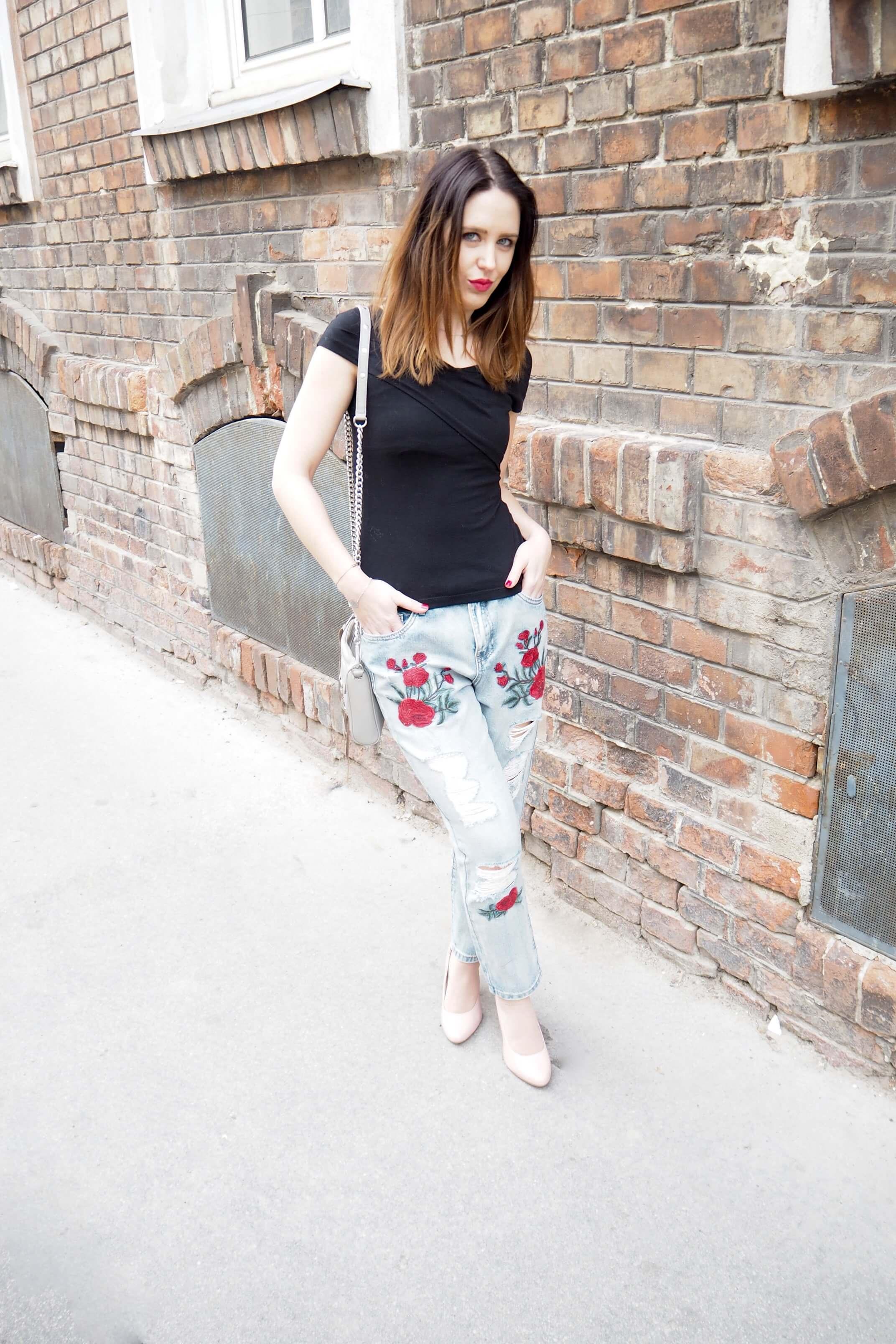 Outfit bestickte Boyfriendjeans Fashion Challenge