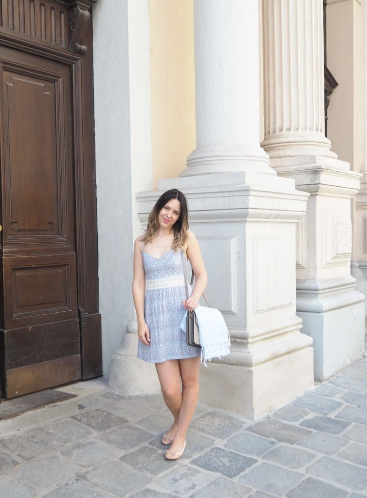 Outfit: Printed Summer Dress Hollister