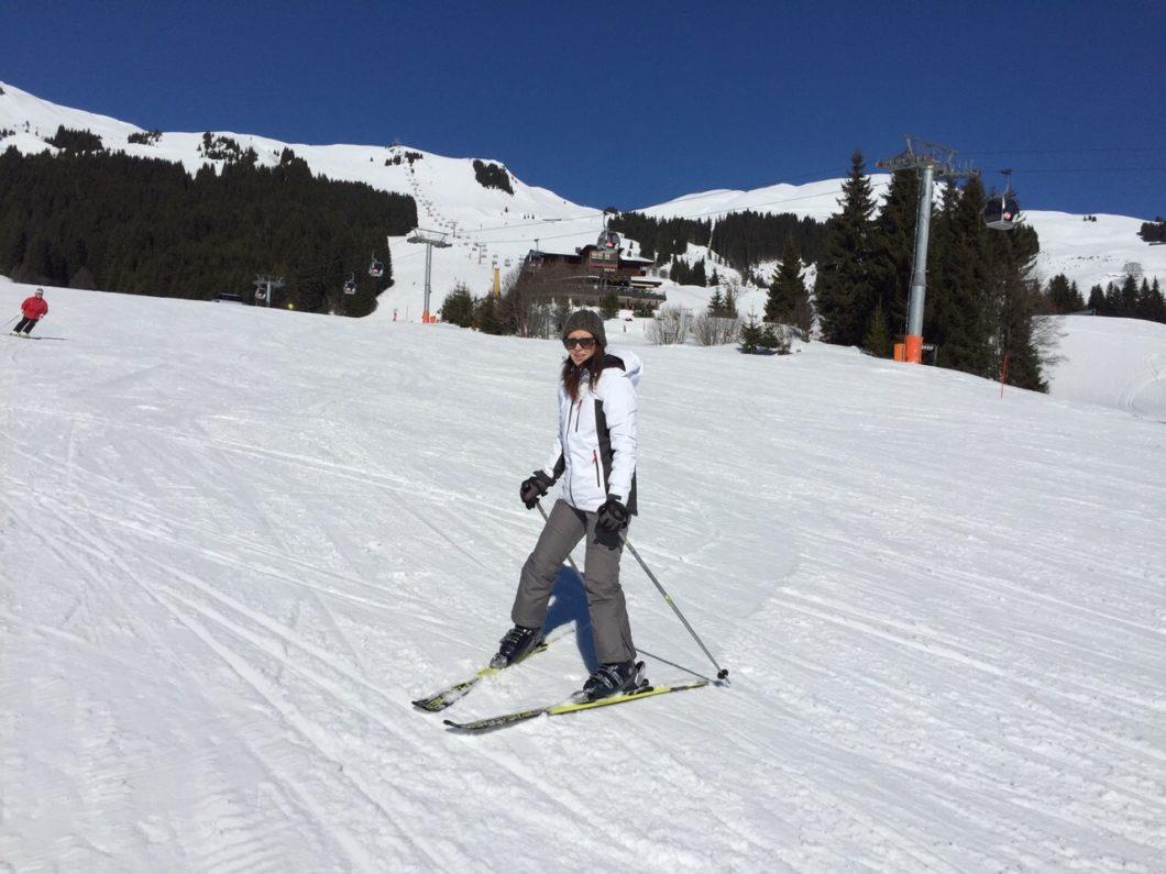 MaryJay beim Skifahren
