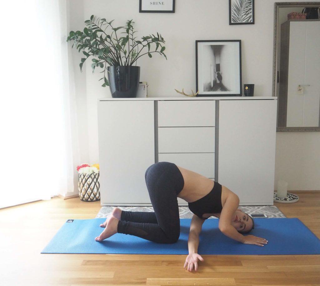 Schulter dehnen Yoga