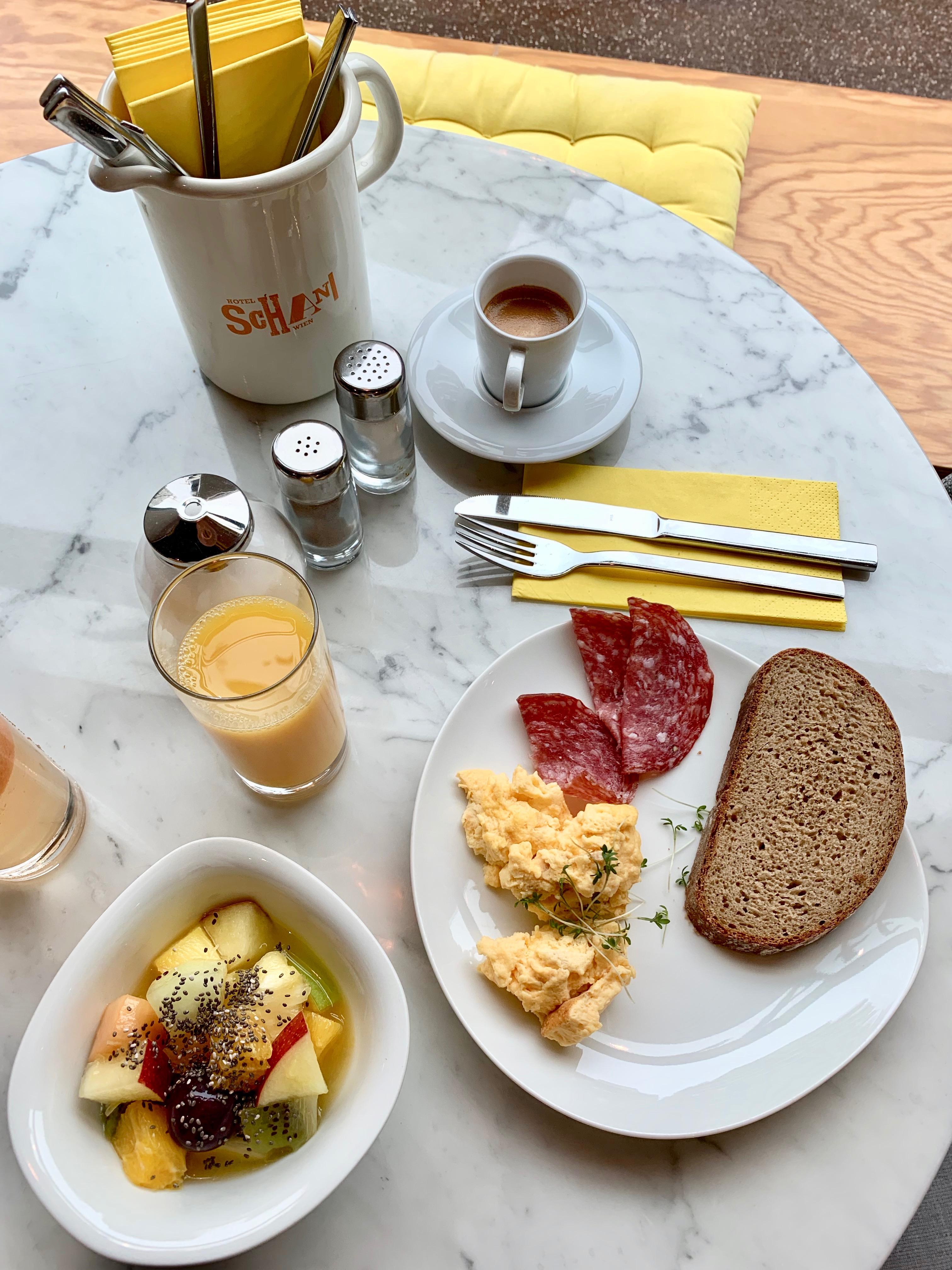 Frühstück im Hotel Schani Wien