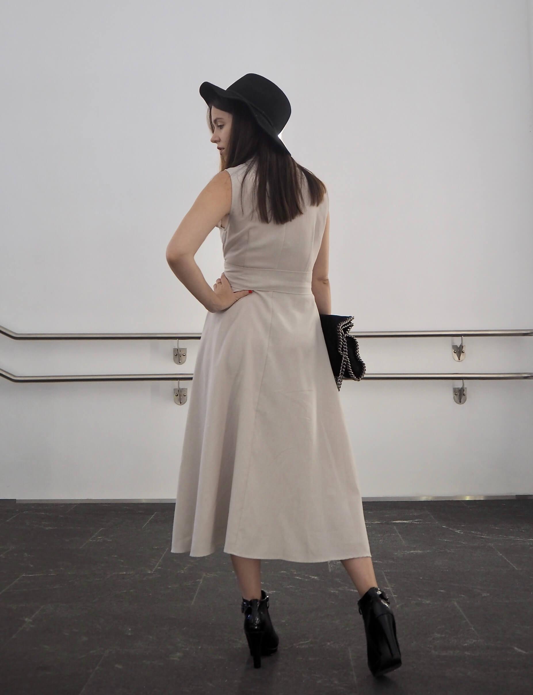 Herbstoutfit mit Hut und Stiefeletten MaryJay